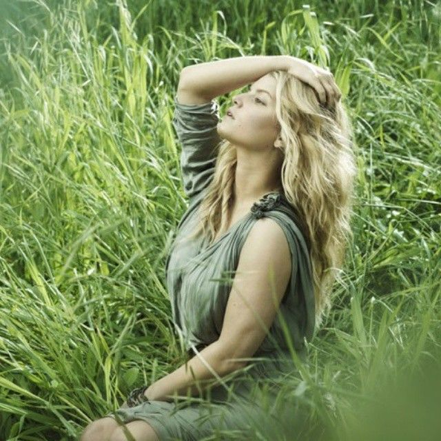 """Natural Beauty enjoying nature! #daretozare #nomakeup #nomakeupselfie #eyes #love #beautiful #amazing #cool #naturalbeauty #girl #glow #beauty #skin #skincare #healthy"" Photo taken by @zarebeauty on Instagram, pinned via the InstaPin iOS App! http://www.instapinapp.com (04/10/2015)"