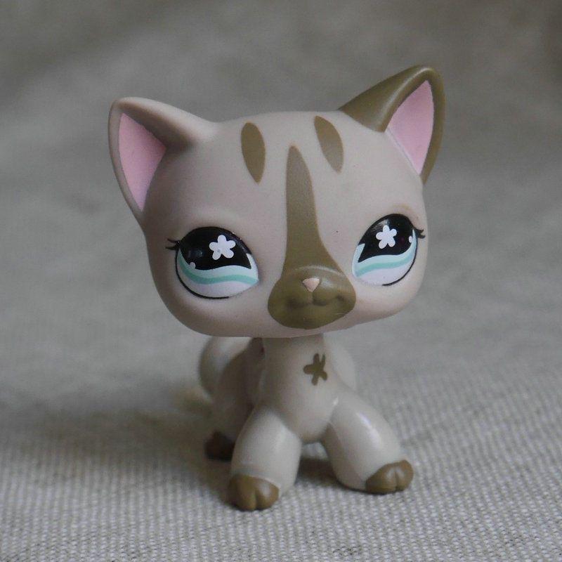 Hasbro Littlest Pet Shop Collection LPS Toys Shorthair Kitty Cat Purple Flower a