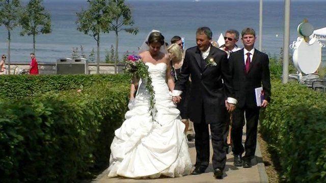 Hochzeitsvideo Rügen auf DVd von Videograf Karl-Heinz Fischer. http://www.hochzeitsvideofilmer-ruegen.de