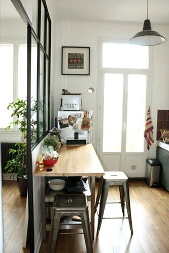 Mon appart ancien r nov style bar and wood bars - Cuisine avec bar table ...