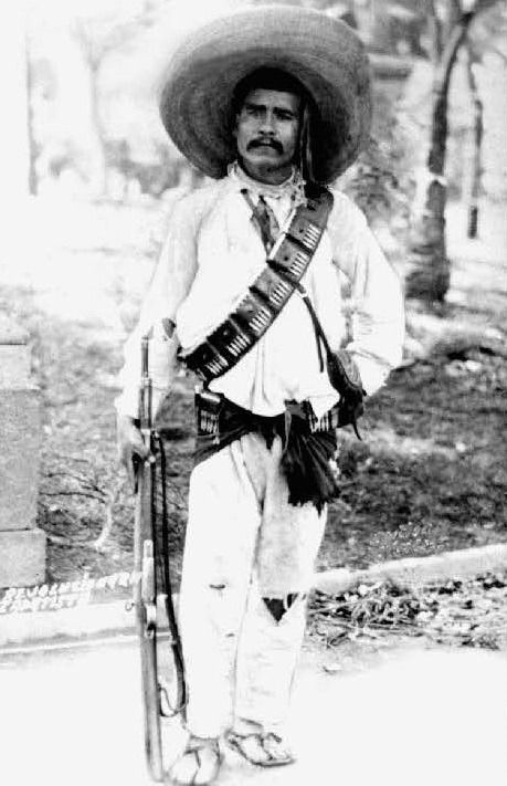A Zapatista, armed with a carbine possibly taken from a Constitutionalist. (Fototeca Nacional del INAH)