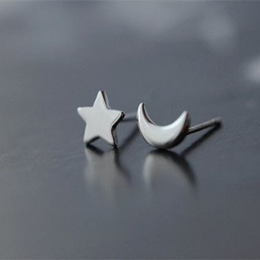925 Sterling Silver Star /& Moon Stud Earrings