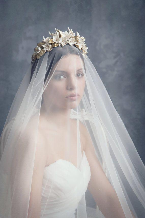 Jasmine bridal crown. Wedding floral crown. Gold headpiece. Bridal headpiece.Bridal crown. Boho floral crown. Style 511