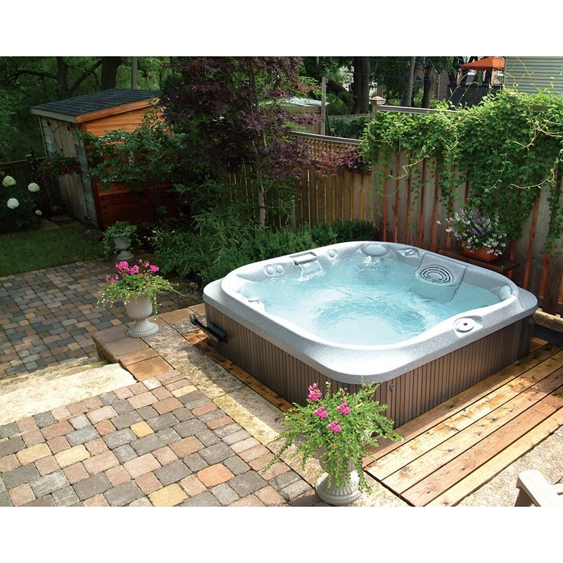 Jacuzzi UK Family Outdoor Hot Tub, Pearl Acrylic / Roast Chestnut ...