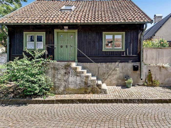 Keltainen talo rannalla: Klassista, rustiikkista ja romanttista