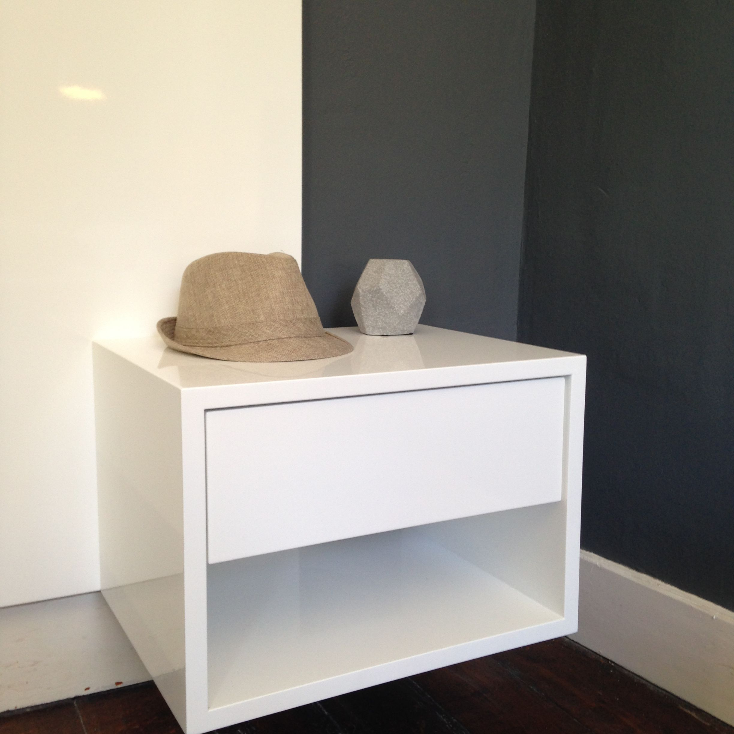 ODE floating bedside table with 1 drawer in white duco. Custom sizes with  options available