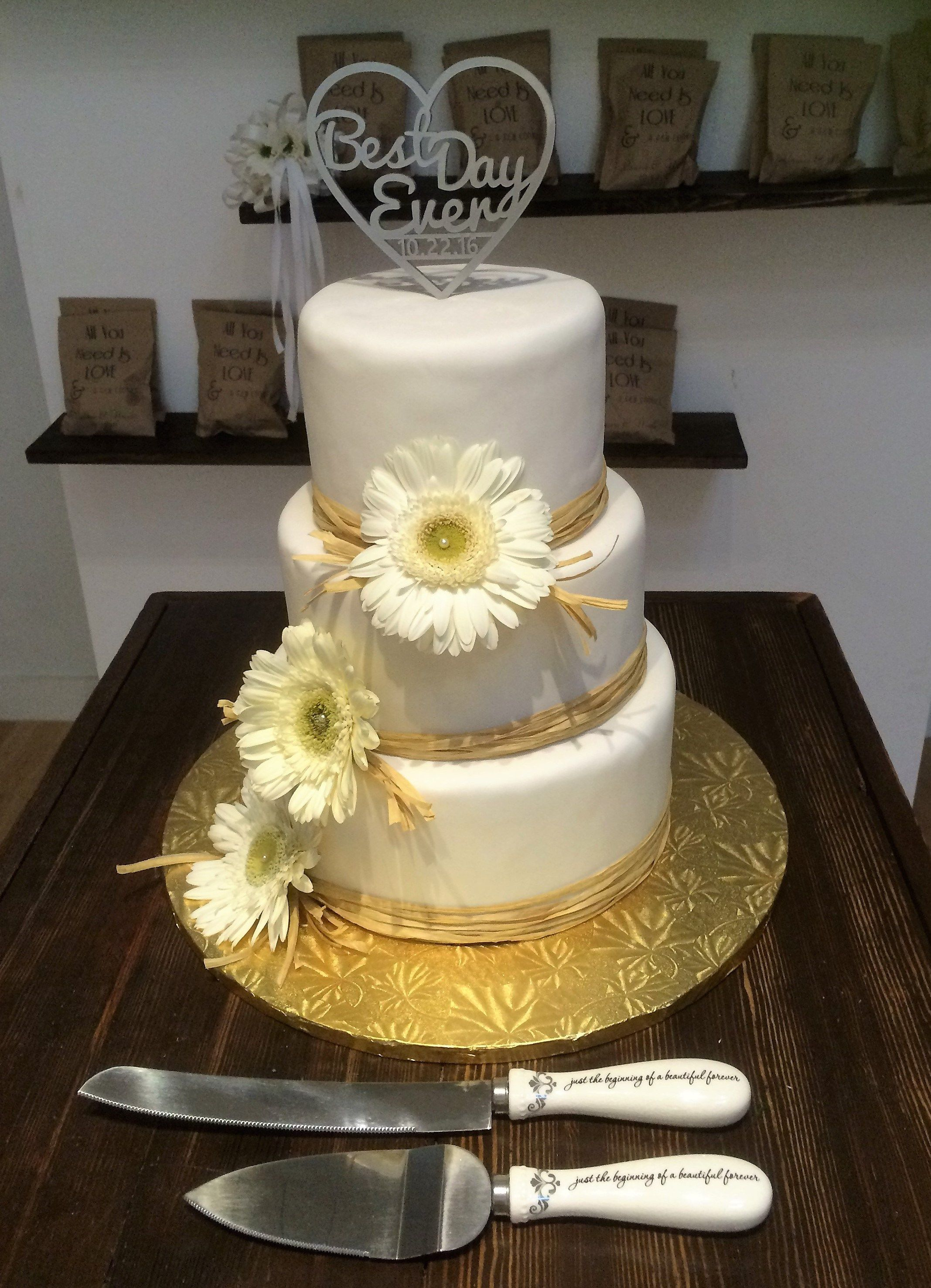Customized Wedding cakes and dessert tables Urban Bride Chic