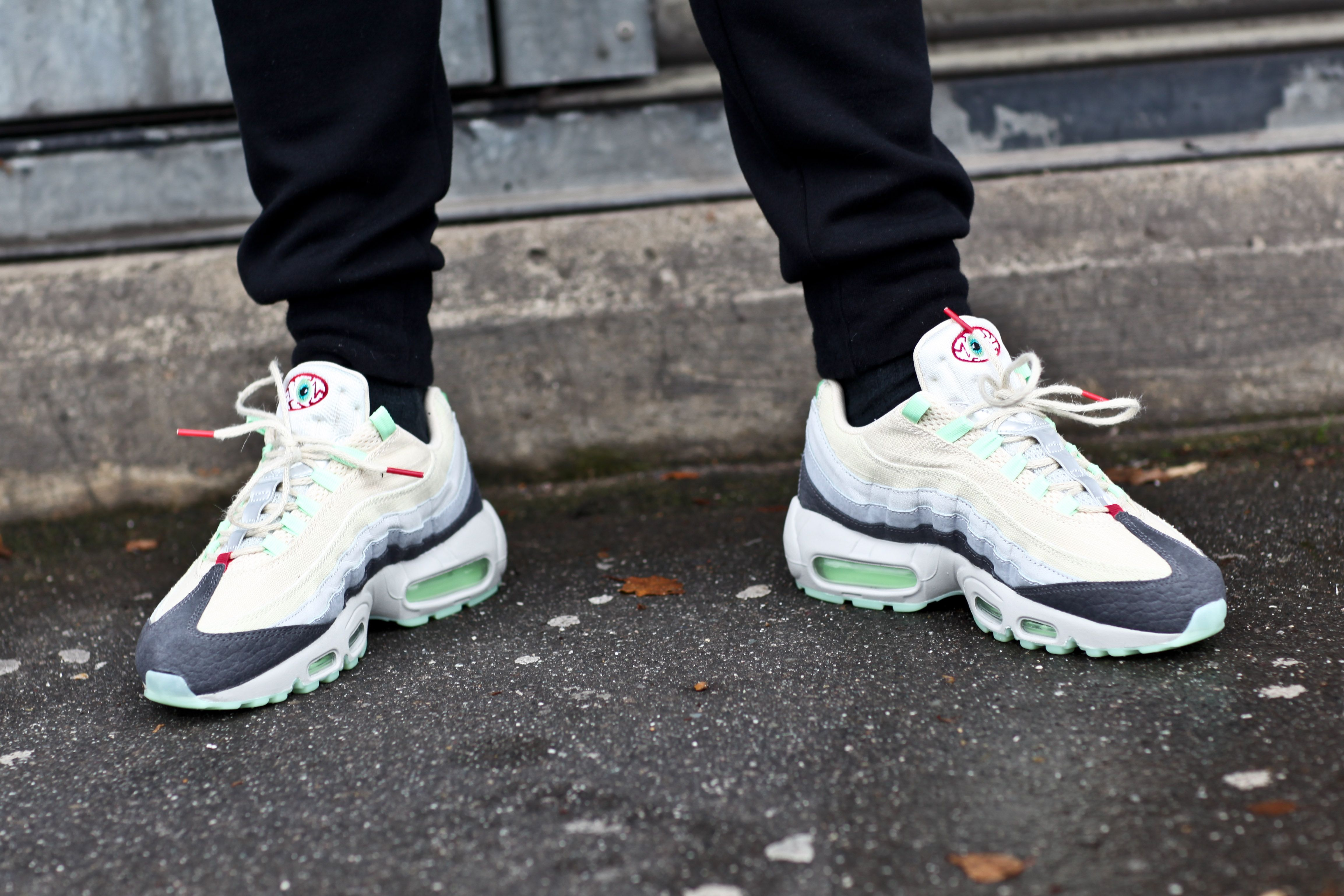 new arrival 02c7a 5cdd8 Nike Air Max 95 Halloween QS On Foot - Google zoeken