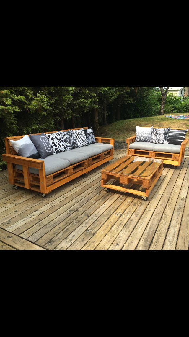 Charmant DYI Palette Patio Furniture   Our Couch!