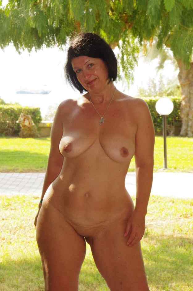 Lesbian outdoors domination