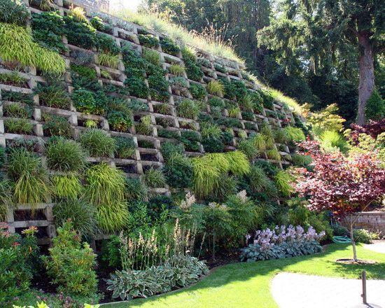 vertikaler garten-hangbefestigung mit-bepflanzungssystem - ideen gestaltung steingarten hang
