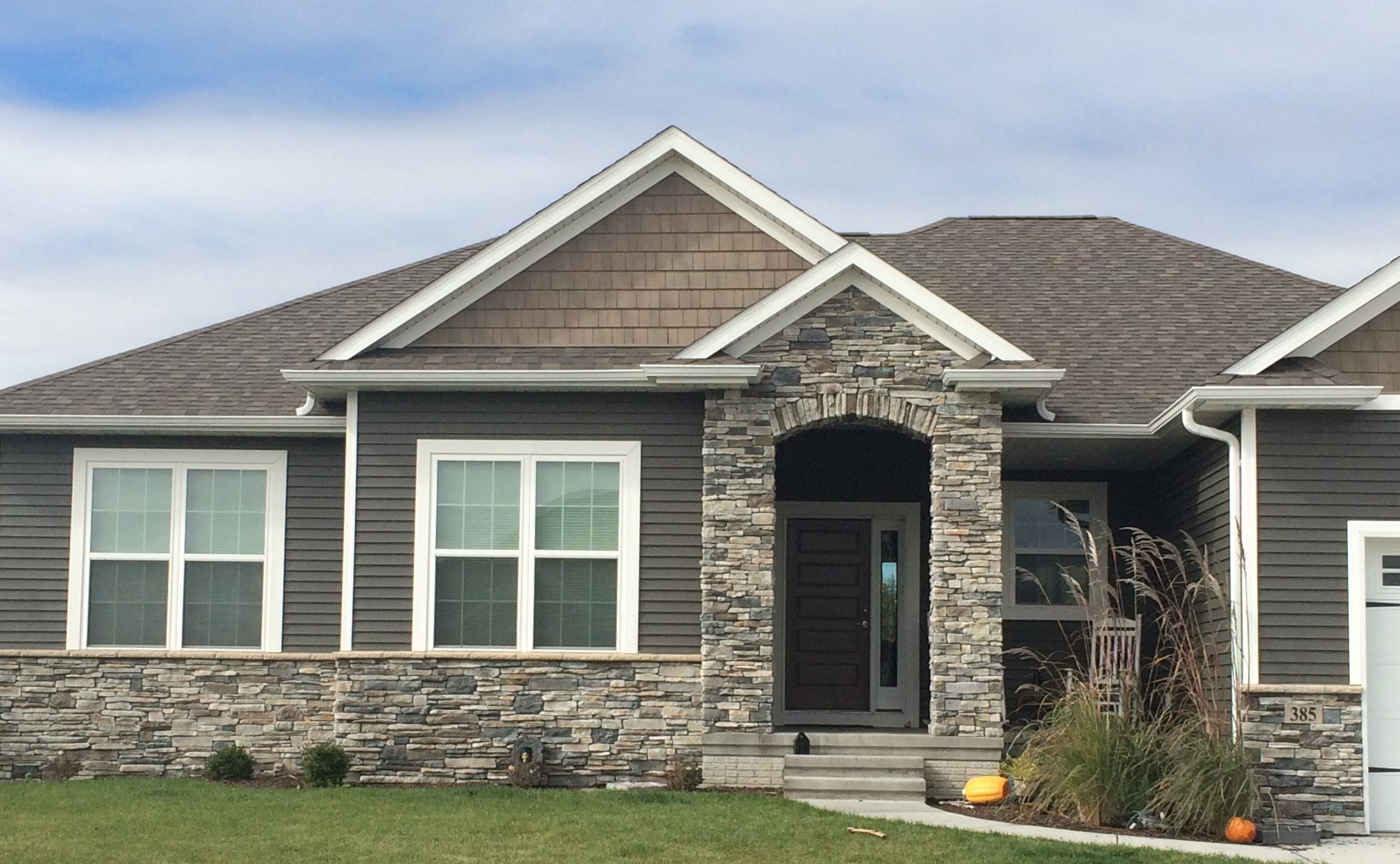Echo ridge southern ledgestone cultured stone stone for Exterior ledgestone