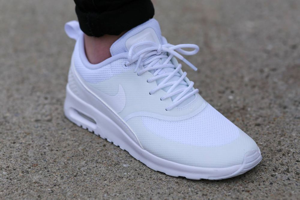 purchase cheap 48336 f08bc Nike Air Max Thea White White post image