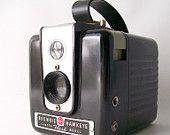 vintage kodak brownie camera hawkeye flash box camera 620 film bakelite black case photography photos photograph