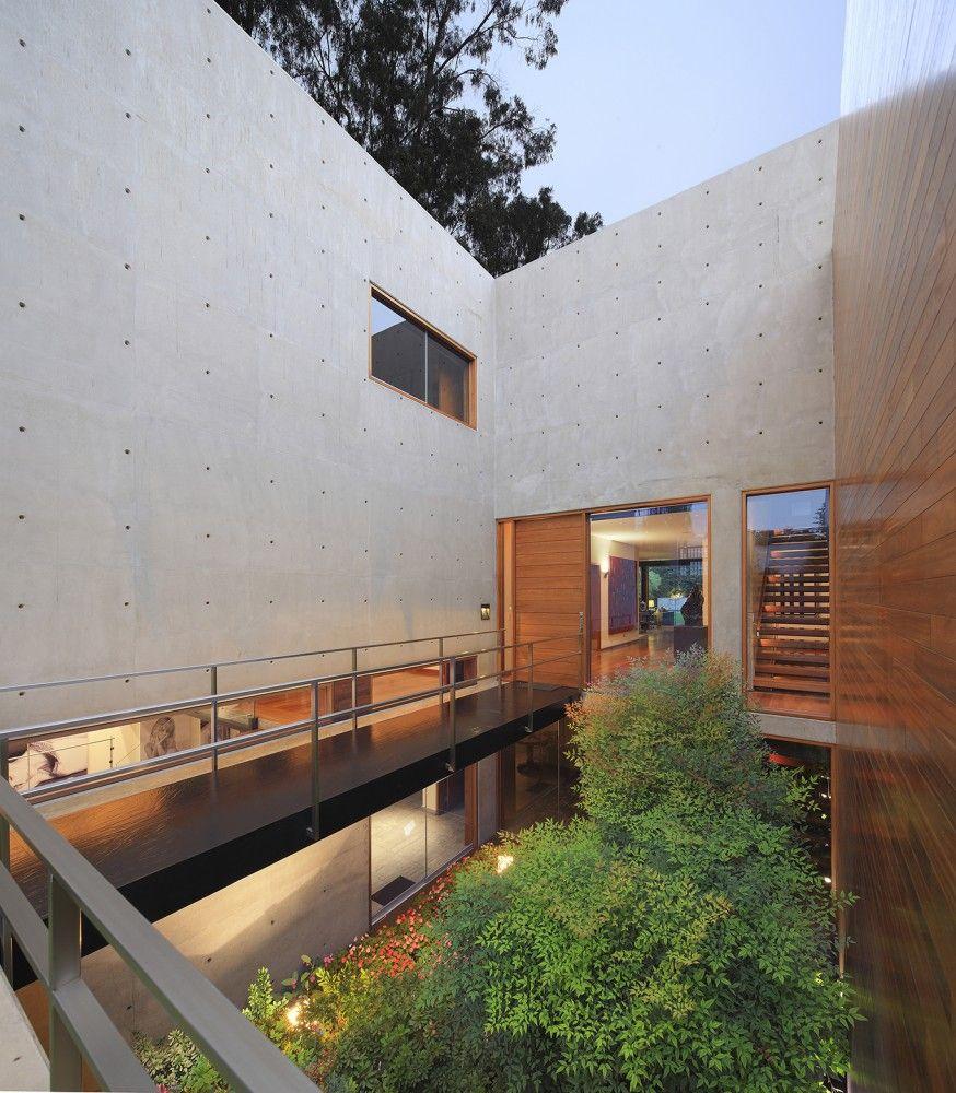 Sunken Garden In A Modern Residence In Lima Peru, Designed By OZ Arq