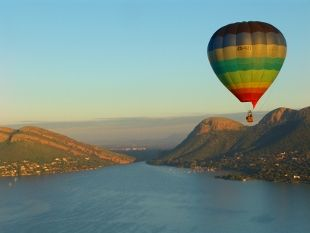 Ballooning at the Hartbeespoort Dam wall