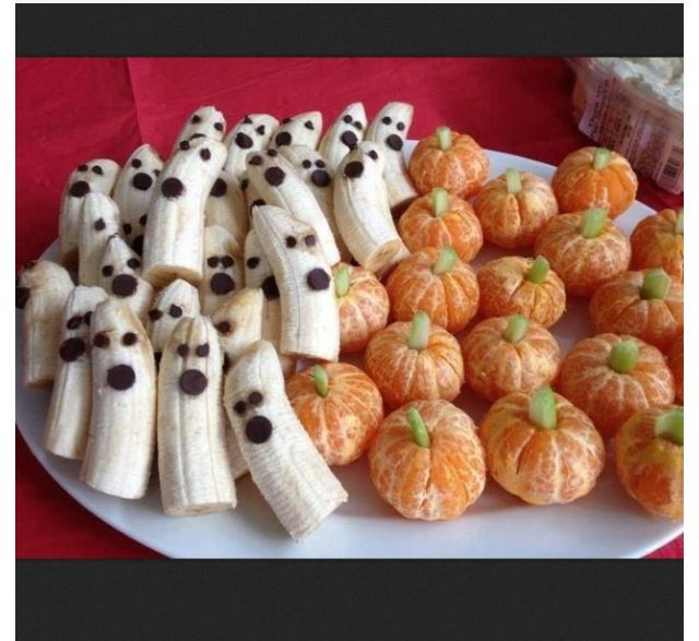 Fun Halloween snack for the kids!! Banana ghosts with chocolate chip (or raisin for dairy allergies) eyes/mouth and clementine pumpkins with celery stems!