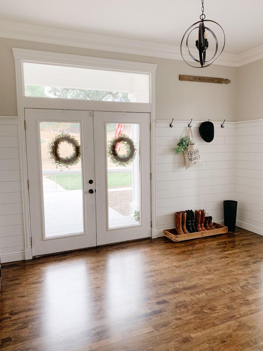 Farmhouse foyer