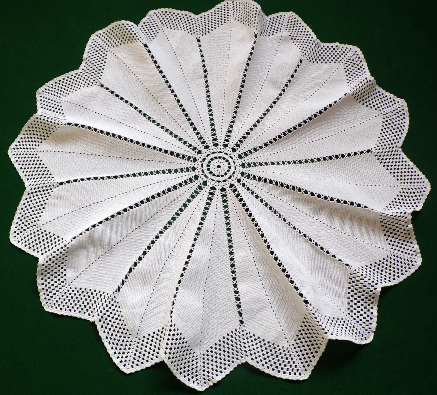 Vintage cotton white Crocheted Round star Doily crochet table ...
