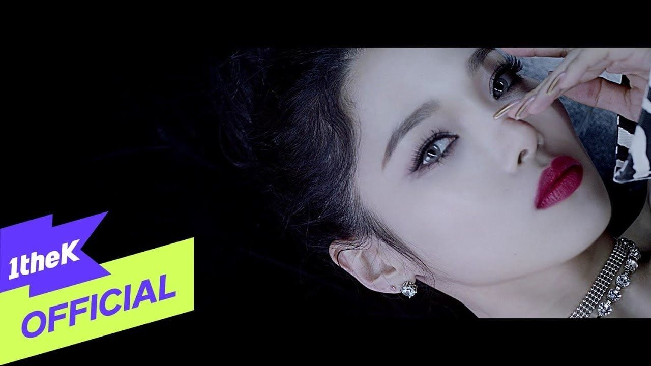 Kard Red Moon Mv With Hangul Romanized Lyrics In 2020 Red Moon Kard Red
