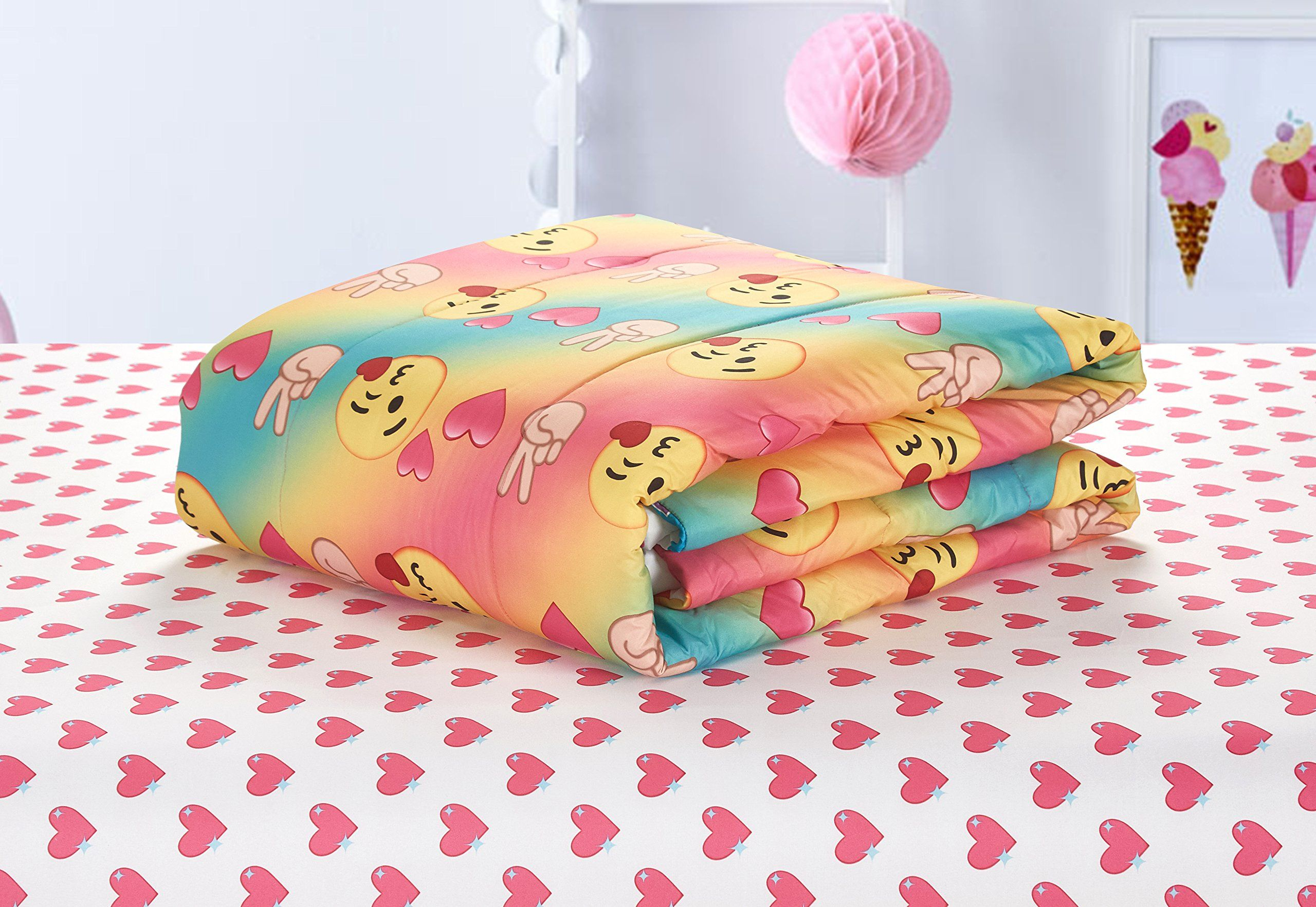 Emoji Pals Love Bed In A Bag Reversible Comforter Settie