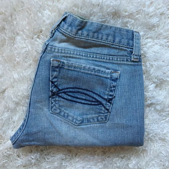 """Abercrombie & Fitch light wash jean capris Fold over cuff jean capri. Light wash color with some sanding and whiskering. Inseam approx 21"""" Abercrombie & Fitch Pants Capris"""