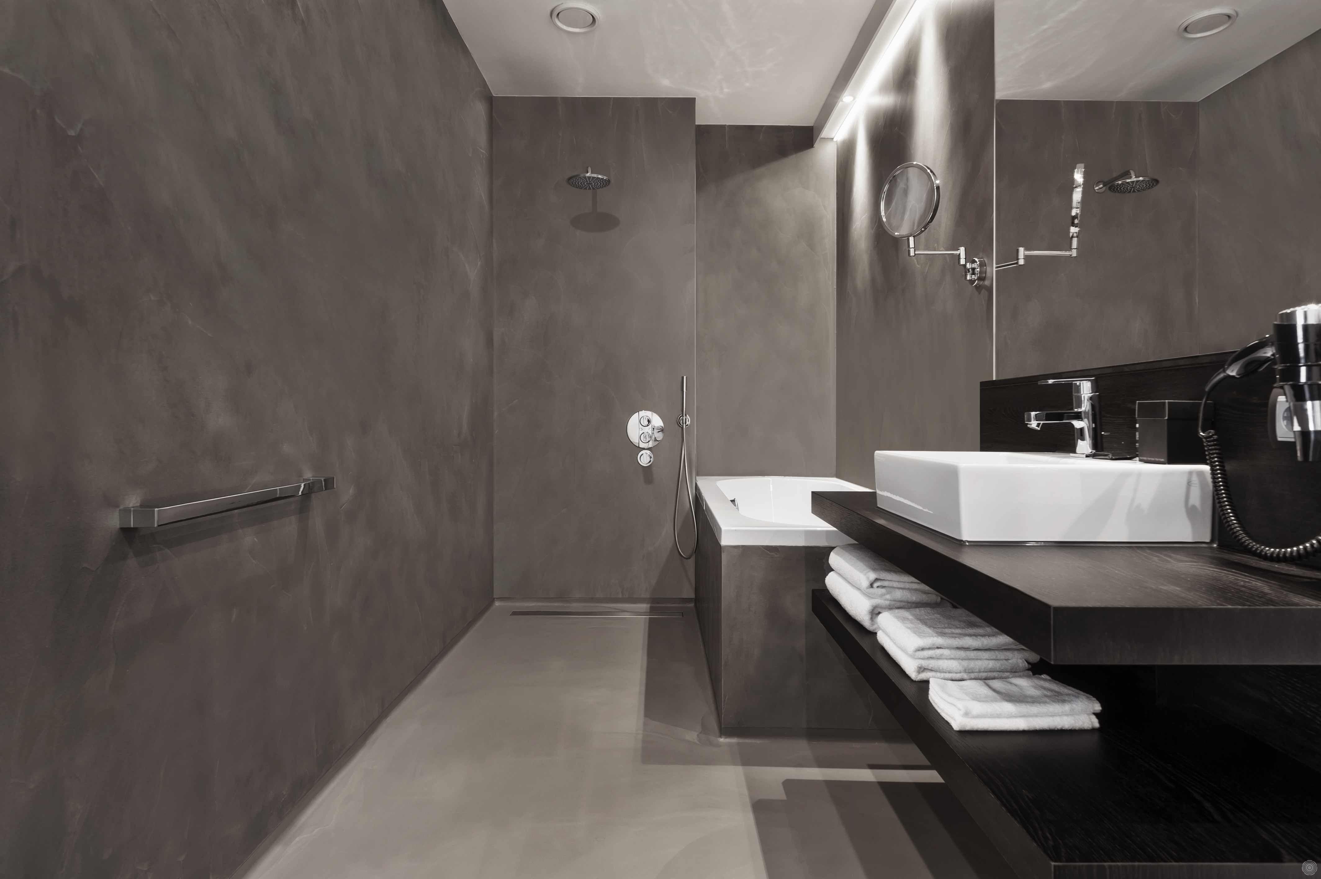 ein haus ohne fliesen fugenlos pflegeleicht und sch n badezimmer pinterest bad. Black Bedroom Furniture Sets. Home Design Ideas