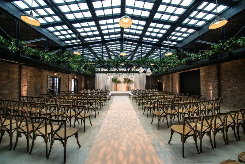 Wedding of the Day A Chic Event in Downtown Chicago