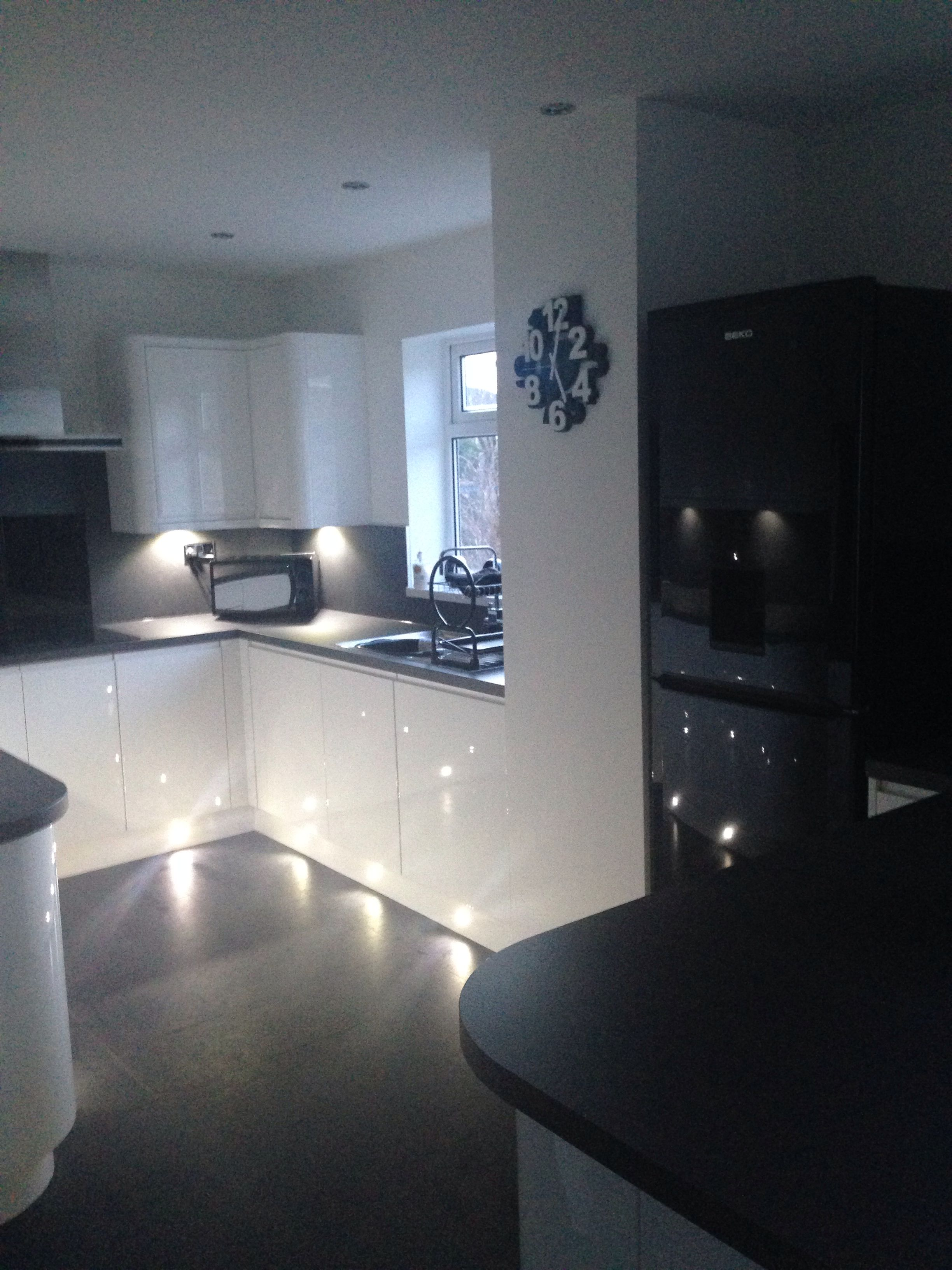 More of our wren kitchen. White gloss handless, grey slate ...