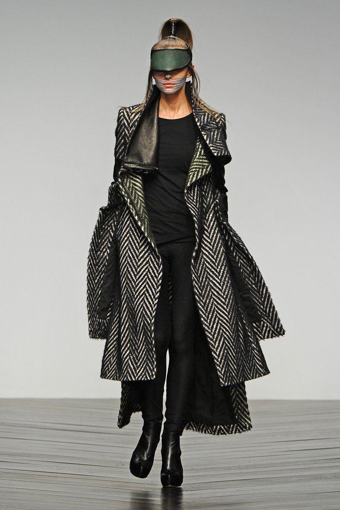 Haizhen Wang RTW Fall 2013 (Fashion Fringe RTW Fall 2013)