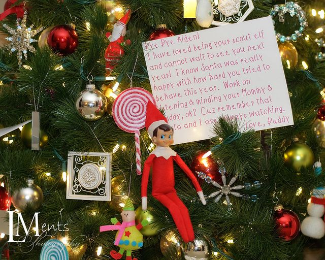 Elf leaves a goodbye note on Christmas Eve