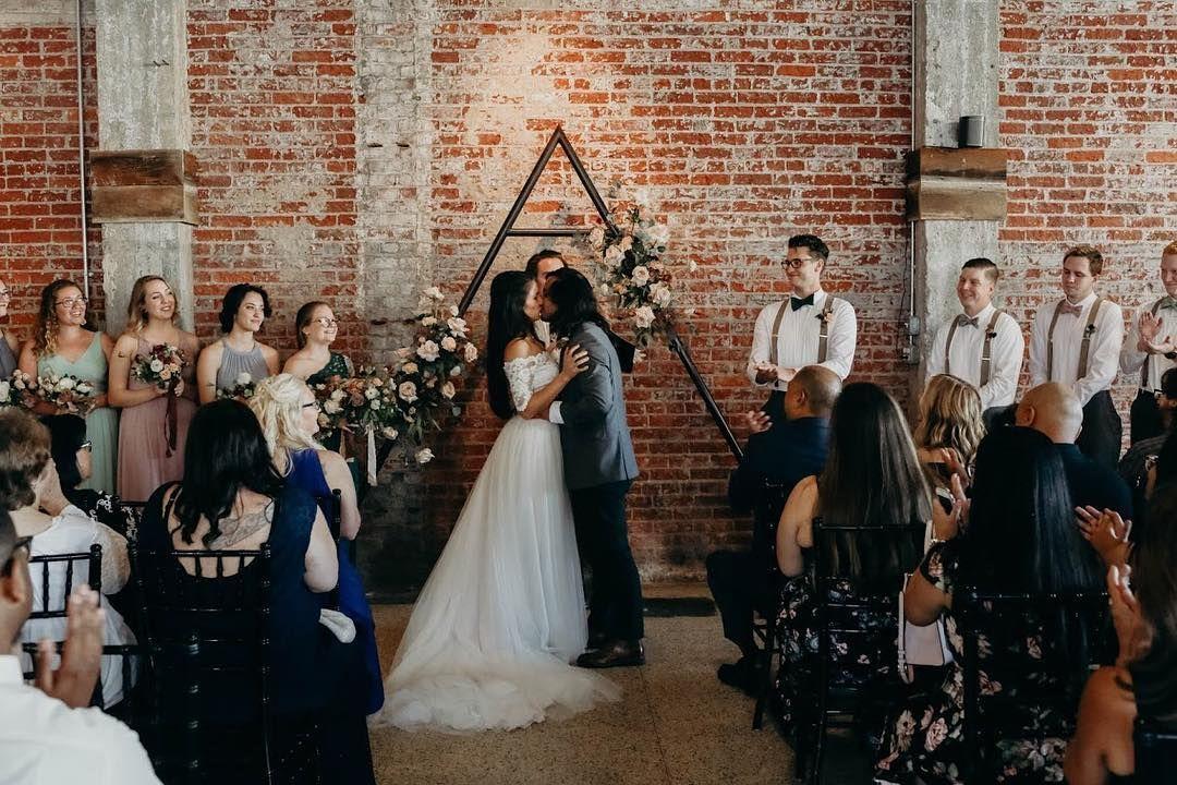 Commune Wedding Venue In Norfolk Va Has The Coolest Shabby Chic