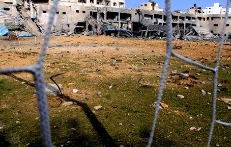 Εκεί που απέτυχαν τόσο η πολεμική βία όσο και η διπλωματία, δοκιμάζει τις δυνάμεις του το ποδόσφαιρο. Τι βασιλιάς των σπορ θα ήταν άλλωστε αν δεν αναλάμβανε τέτοιες δύσκολες αποστολές; Read more: http://rizopoulospost.com/i-barca-enonei-israilinous-kai-palaistinious/#ixzz2PUjPaAmu  Follow us: @Rizopoulos Post on Twitter   RizopoulosPost on Facebook  #football, #Greece, #news, #sports, #Barcelona, #Israel, #Palestine