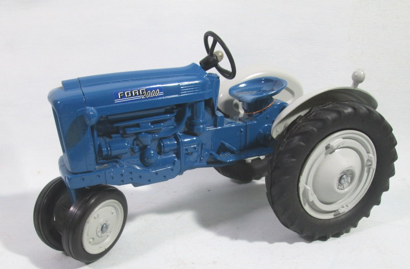Ford 2000 1 12 Scale Cast Farm Toy Tractor Made In Usa New Box See Case 61 60 00 Three Plus Cases Full Of Toys To Choose From