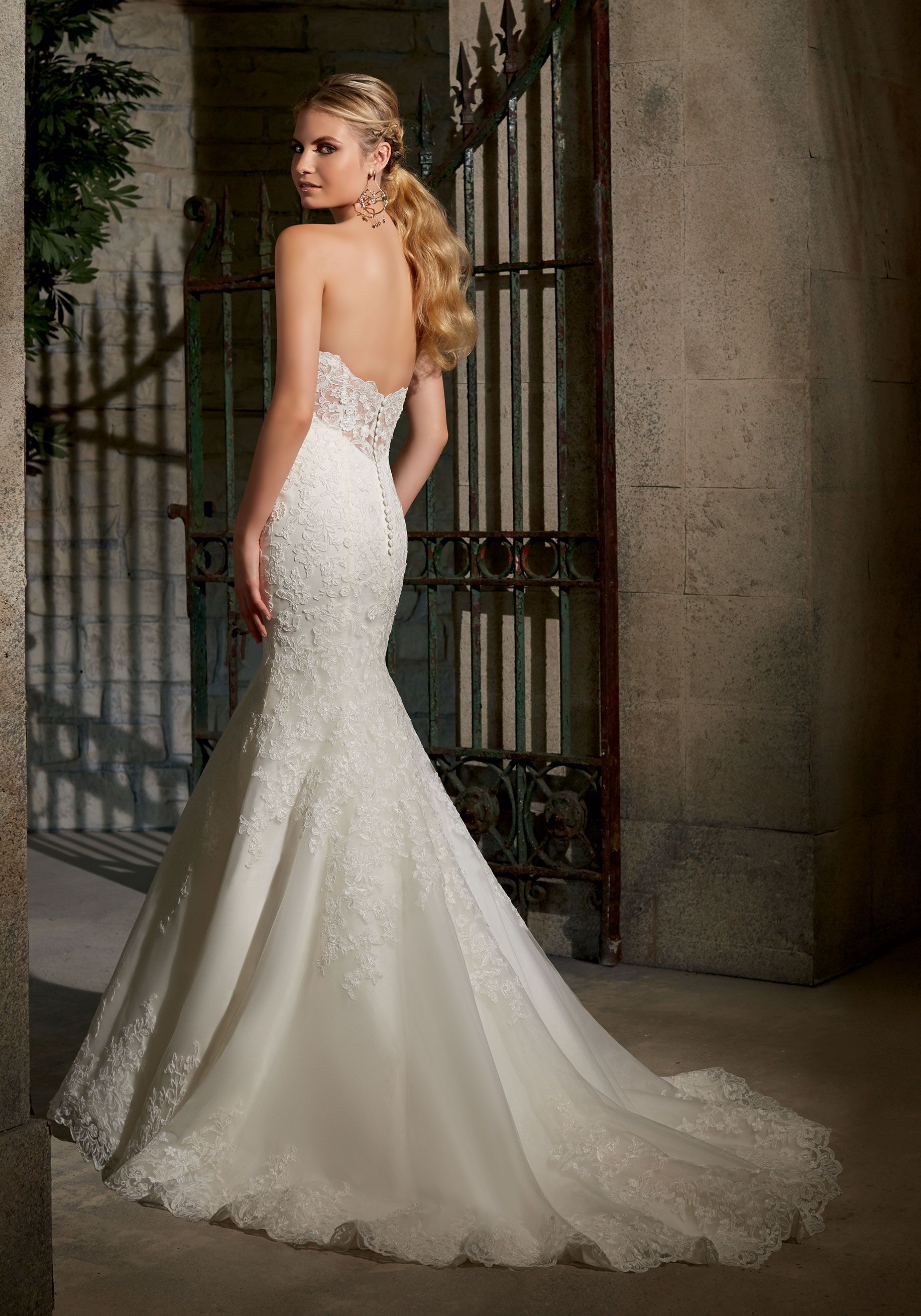 Moonlight Couture Spring 2021 Wedding Dresses Wedding Inspirasi Wedding Gowns Mermaid Wedding Dresses Lace Beaded Wedding Gowns [ 1500 x 900 Pixel ]