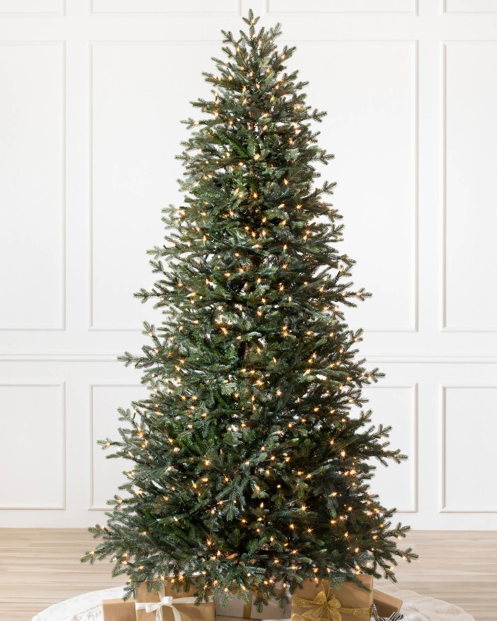 The Norway Spruce Narrow Christmas Tree A Meticulous Replica Of The Pi Realistic Artificial Christmas Trees Best Artificial Christmas Trees Fir Christmas Tree