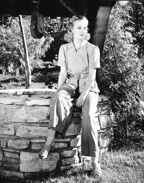 Carole Lombard photographed by Alex Kahle, 1939