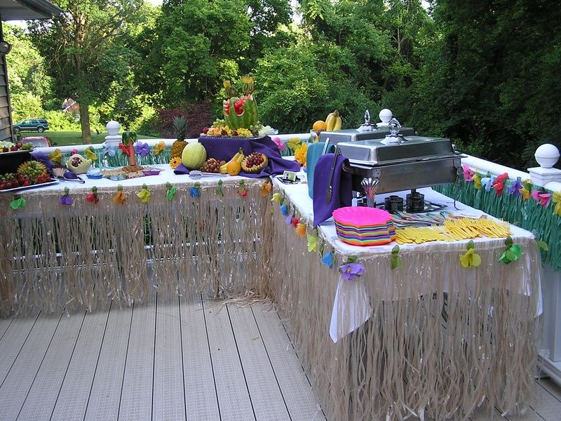 hawaiian luau table centerpiece try serving lobster fish or any other seafood combo