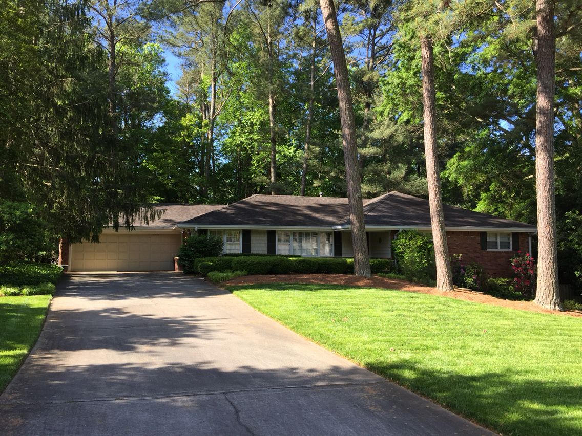 Classic 1950s Brick Ranch Home In Chastain Park Neighborhood Of Atlanta