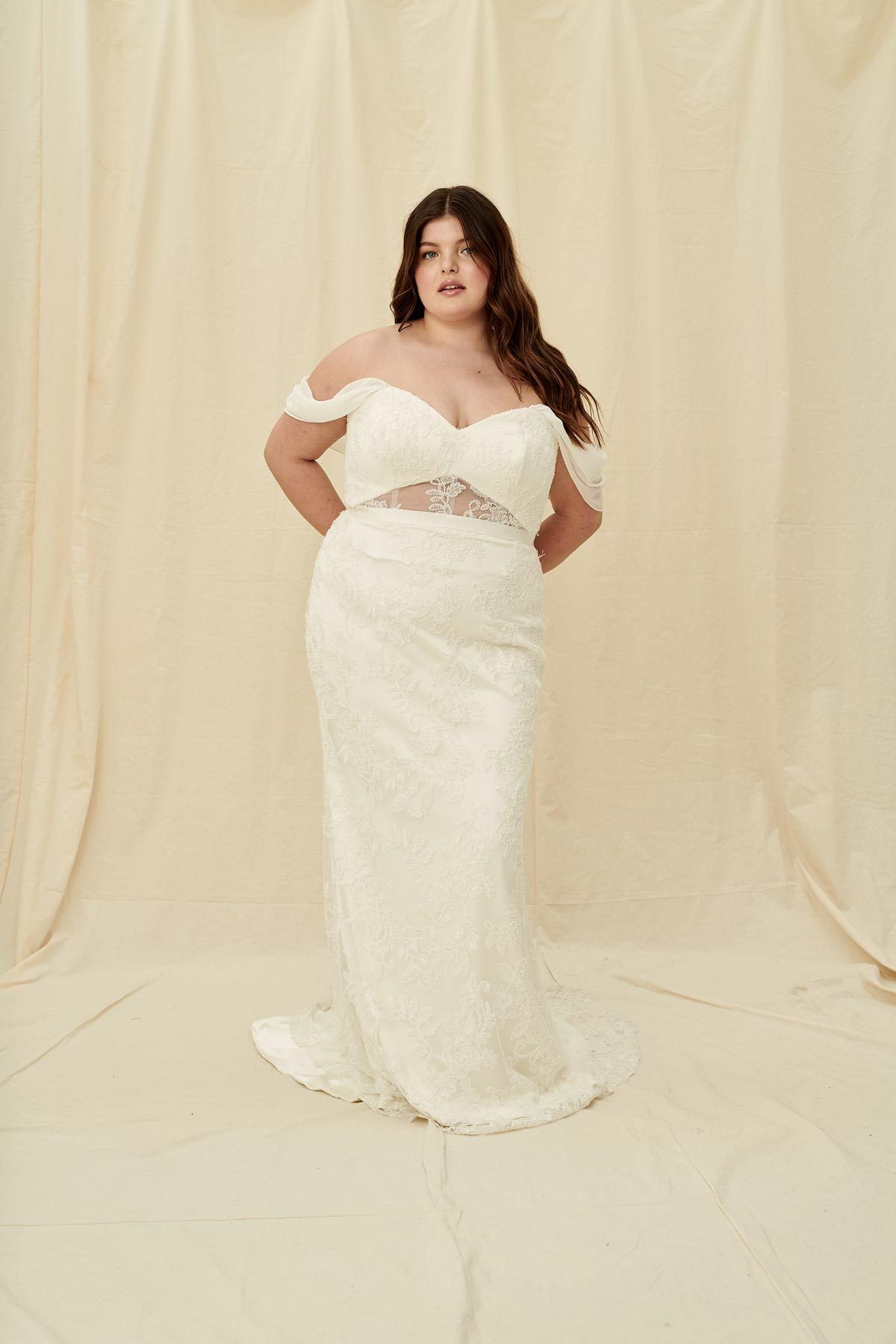 Halseene Julia Curve A Modern Plus Size Wedding Dress With A Mermaid Fit And Sweetheart Off The S Wedding Dress Shopping Wedding Gowns Lace Wedding Dresses [ 1800 x 1200 Pixel ]