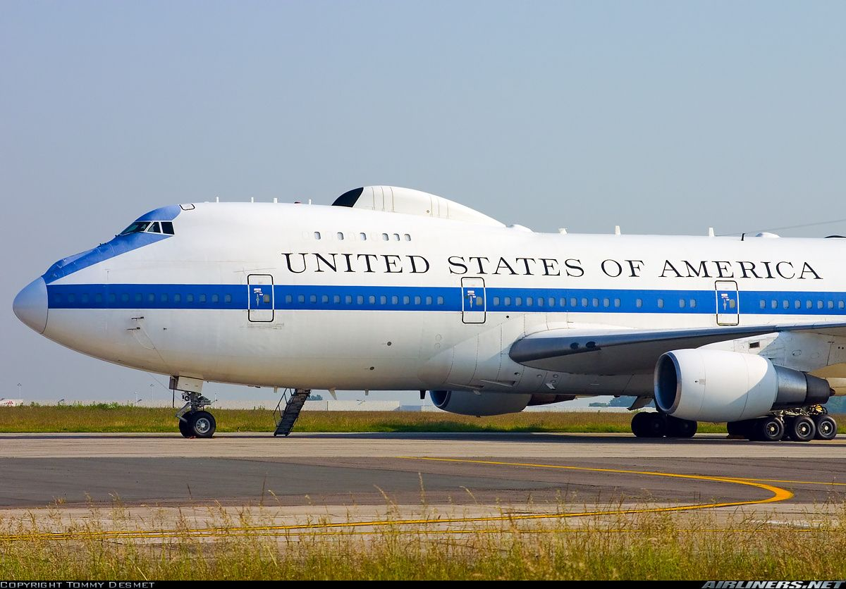 Картинки по запросу картинки   Boeing 747-200B.