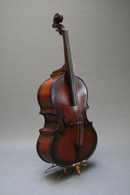classic stand up bass bass guitar passion pinterest bass instruments and double bass. Black Bedroom Furniture Sets. Home Design Ideas