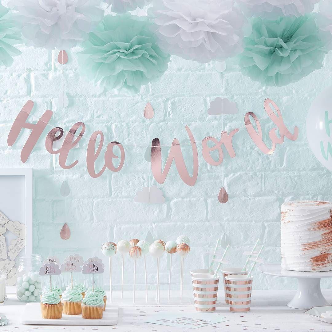 """Denne skjønne serien kommer snart i butikk Passer til både gutt og jente """"Hello World"""" får du hos www.dinbabyshower.no #nyhet #kommersnart #nettbutikk #helloworld #serie #news #rosegold #mint #detlilleekstra #dinbabyshower #navnefest #fødsel #dåp #babyshower #baby"""