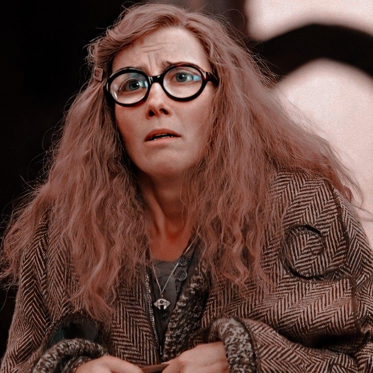 Icon Sybill Trelawney Tonks Harry Potter Harry Potter Professors Harry Potter Icons