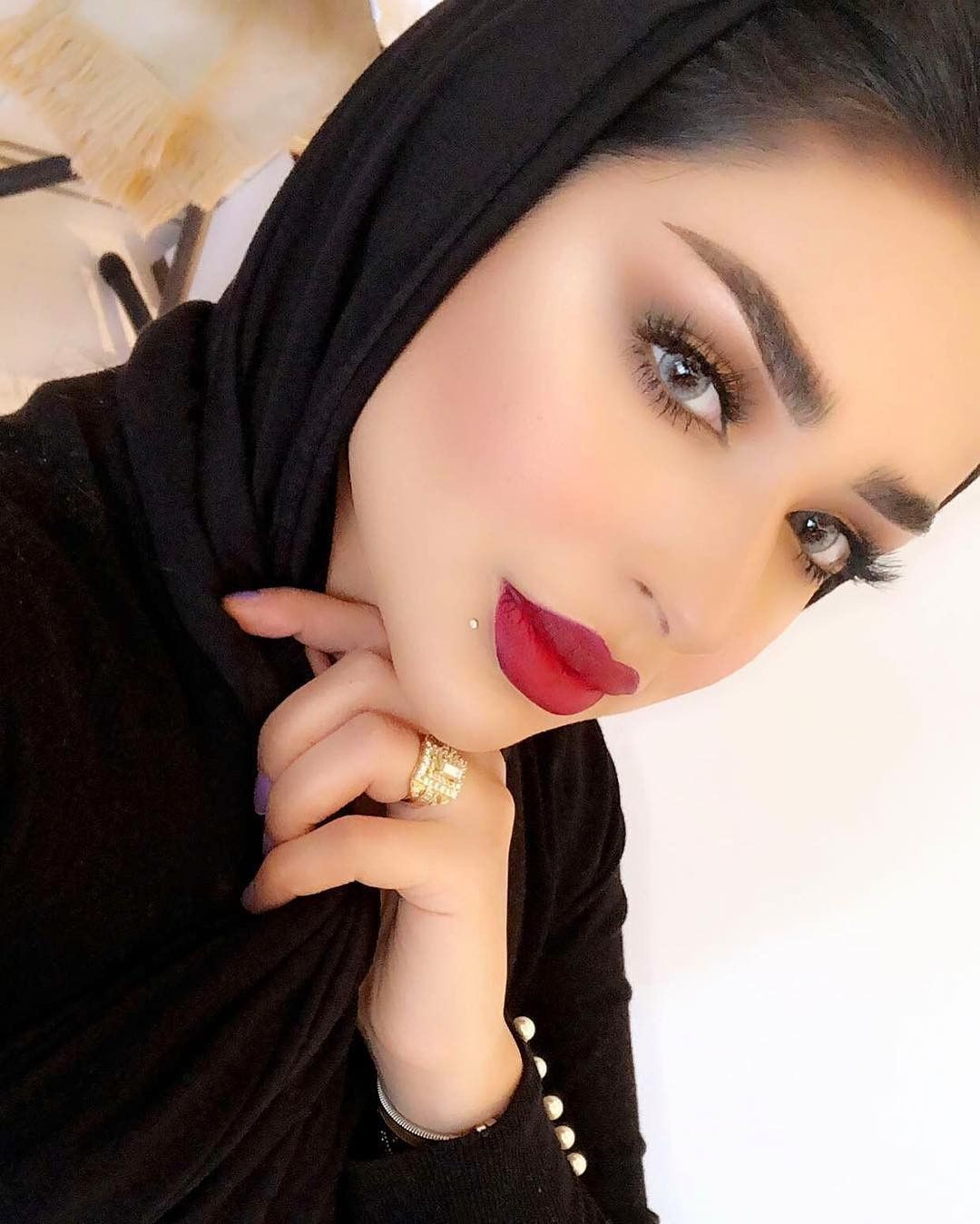 Pin On Hijabis Makeup Looks مكياج المحجبات