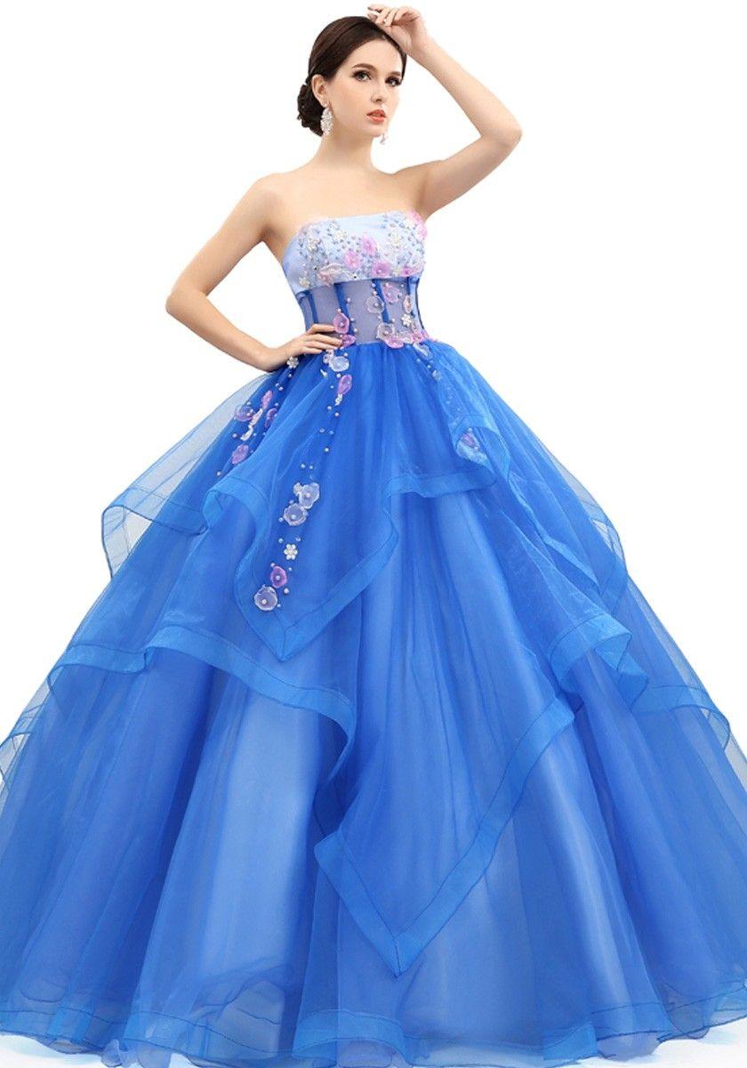 Pin von Aisha auf Gowns for girls | Pinterest | Extravagante kleider ...