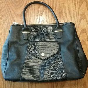 2bf2f4baf3 Steve Madden Handbags - Steve Madden 3 huge pockets tote brand new ...
