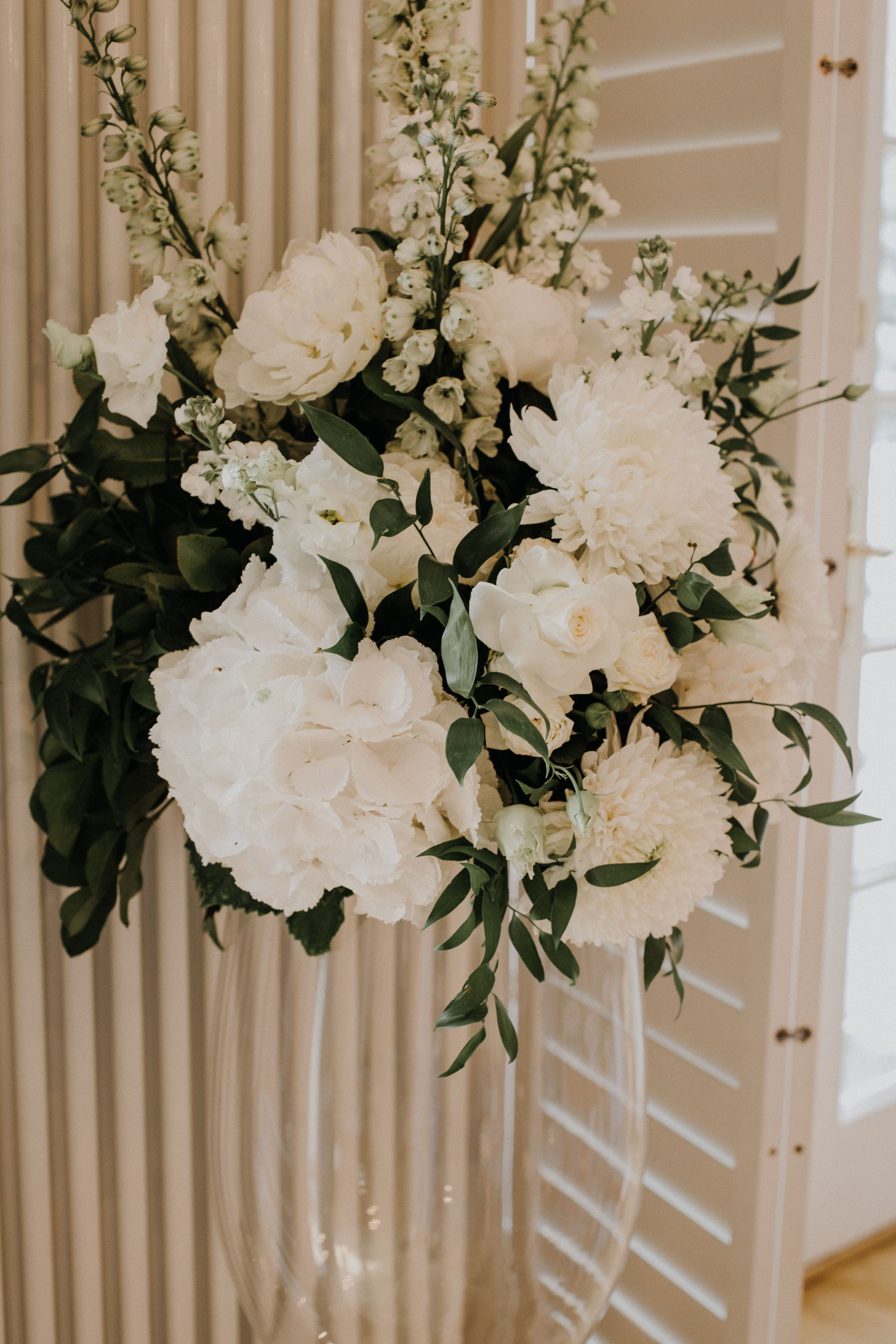 Inna Studio Composition Of White And Green Flowers Decoration For A Wedding Flowers For A Couple Ele Home Wedding Decorations Wedding Decorations Home Wedding