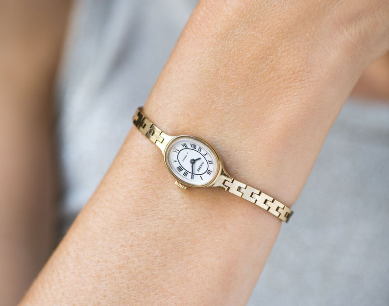 Cocktail watch bracelet oval watch for women Ray, gold shade evening watch floral bracelet, vintage lady watch, classic jewelry leaf bangle