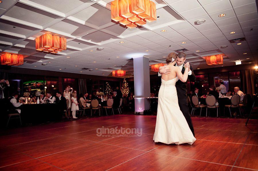 Holiday Inn Chicago Mart Plaza River North Summer Wedding Dress Chicago Wedding Venues Bohemian Wedding Dresses